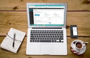 Webseite auf Laptop